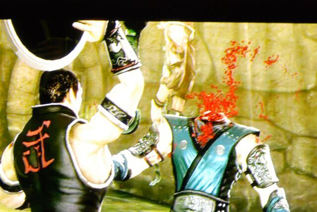 File:Kung lao fatality mk9.jpg
