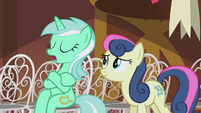 Lyra gives Sweetie Drops a cold hello S5E9