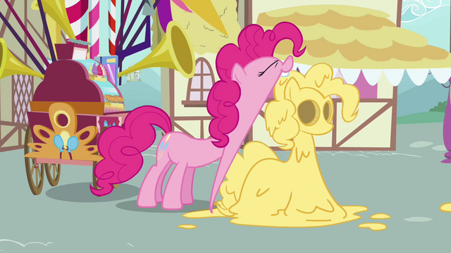 File:Pinkie Pie opening mouth wide to take a huge bite S2E18.png