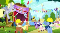 Ponies cheering S4E12