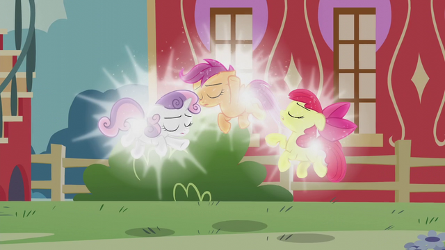 File:Cutie Mark Crusaders floating and glowing S5E18.png