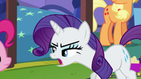 Rarity walking slowly towards Pinkie S5E19
