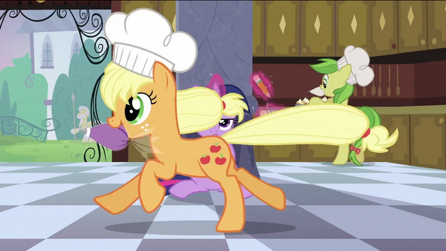 File:Applejack running S2E25.png