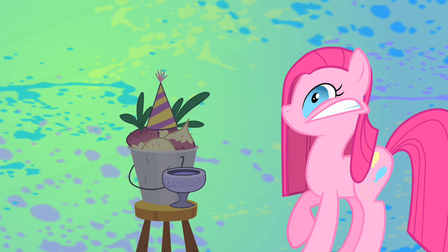 File:SnappingPinkie S01E25.png
