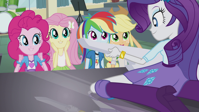 File:Rarity's friends applaud her playing EG2.png