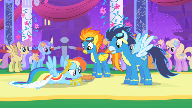 File:Rainbow Dash saves pie S1E26.png