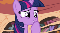 Twilight smiling S4E15
