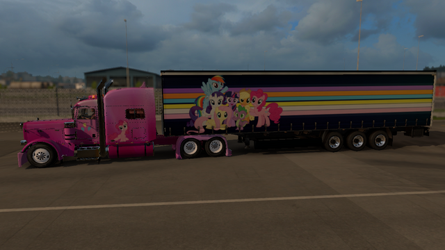 File:FANMADE ETS2 Pete 389 Custom - Pinkie Pie Skin 2.png