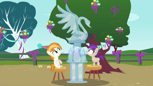 File:Gelatin turns into ice sculpture S4E23.png