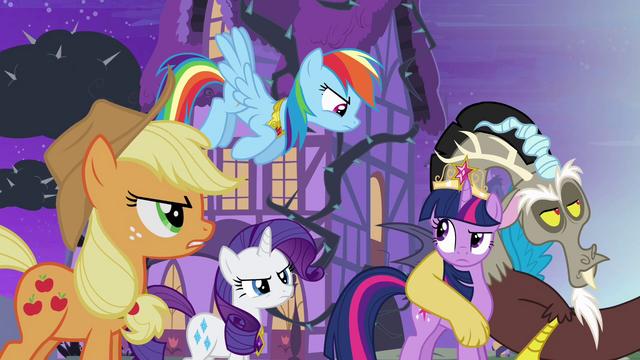 File:Twilight's friends don't believe Discord S4E01.png