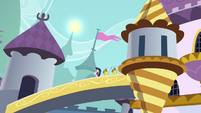 Shining Armor and guards see the sun moving S4E26