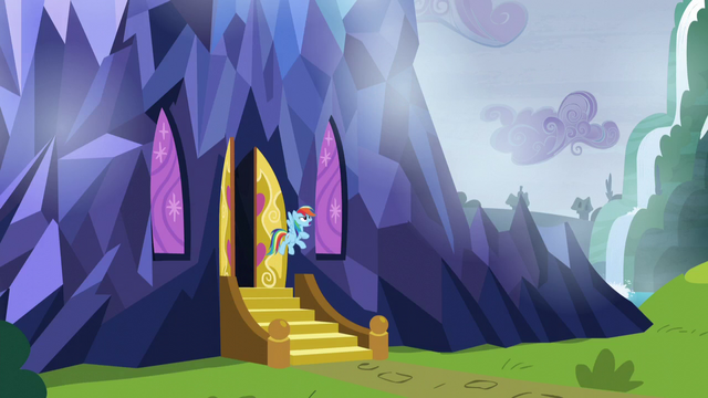 File:Rainbow floating outside of castle door S5E5.png