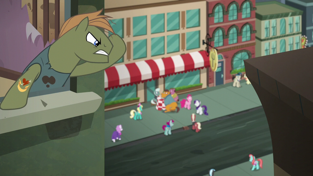 File:Manehattanites look at Pinkie Pie S6E3.png