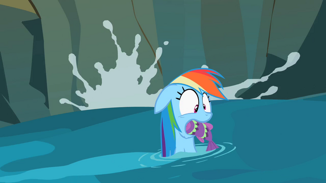 File:Rainbow Dash with fish S2E8.png