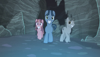 Creepy ponies walking S5E1