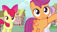 Scootaloo knocking on the door S4E15