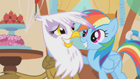 Rainbow with hoof around Gilda S1E05