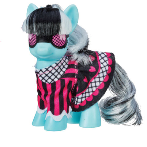 File:Photo Finish Ponymania brushable doll.jpg