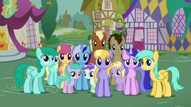 File:Everypony else S02E20.png