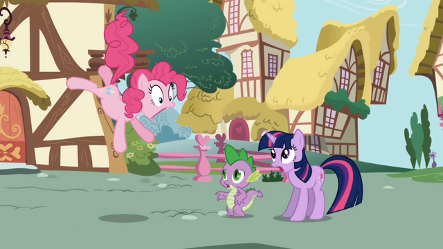 File:Pinkie Pie astonished to see new pony (Twilight) in town S1E01.png