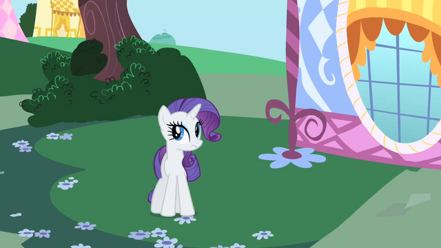 File:Rarity concealing box S1E25.png