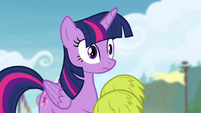 Twilight with pom-poms on her hooves S4E10