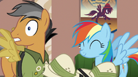 Rainbow Dash agreeing with Quibble Pants S6E13