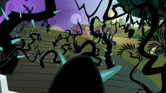 File:Sweet Apple Acres covered in vines S4E01.png