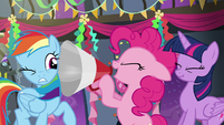 Pinkie shouting through a megaphone S6E7