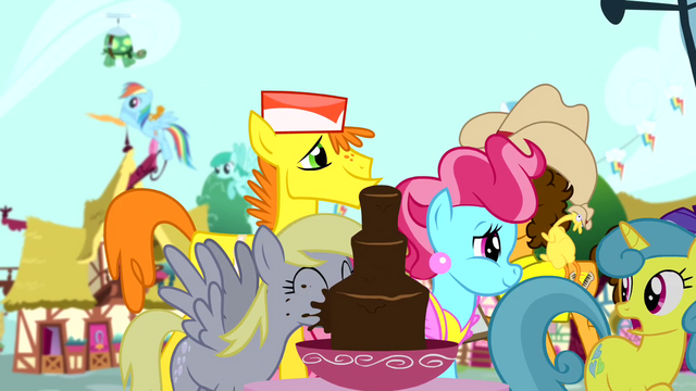 File:Derpy drinking from chocolate fountain S4E12.png
