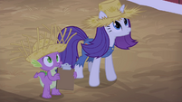 Rarity and Spike watching Applejack S4E13