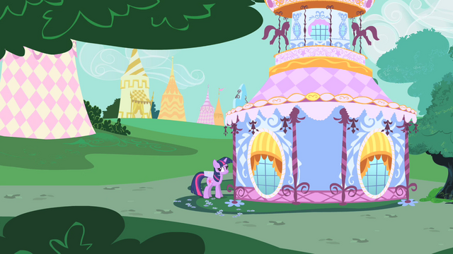 File:Twilight in front of Rarity's home S1E25.png