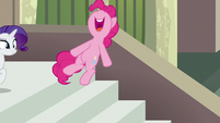 "Pinkie Pie jumps while spelling Maud's name ""A"" S6E3"
