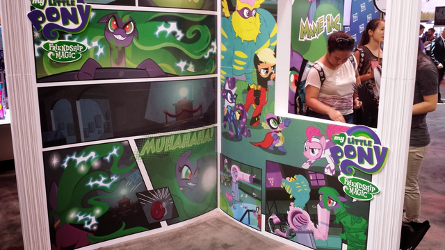 File:SDCC Power Ponies stand.png