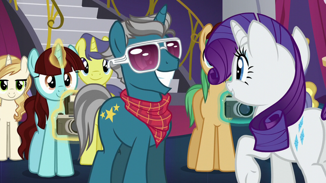File:Rarity meeting Fashion Plate S5E14.png