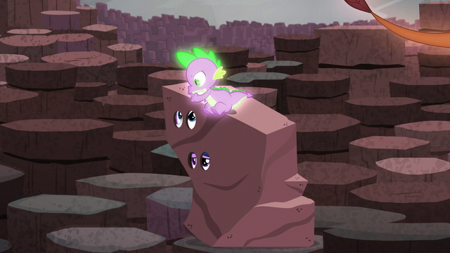 File:Spike shushes Twilight and Rarity S6E5.png
