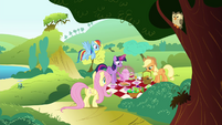 "Fluttershy ""I sure hope Maud has an appetite"" S4E18"