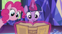 Twilight and Pinkie reading the book S5E8