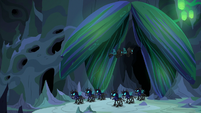 Changelings stand guard outside Chrysalis' chamber S6E26