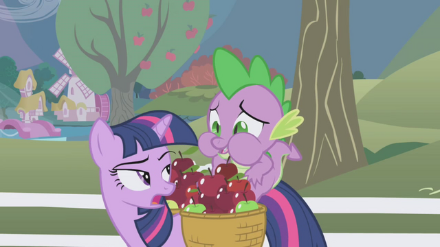 File:Spike munching on the red apple S1E03.png