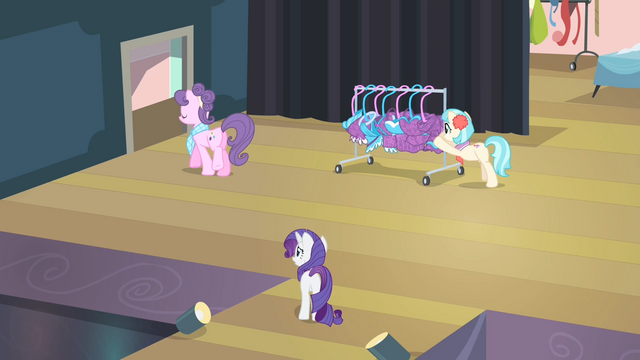 File:Rarity '...make all of those outfits out of it so fast' S4E08.png