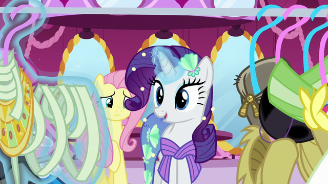 File:Rarity suggests a mummy costume S5E21.png