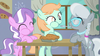 Diamond Tiara, Peach Fuzz, and Silver Spoon eating pie S6E4