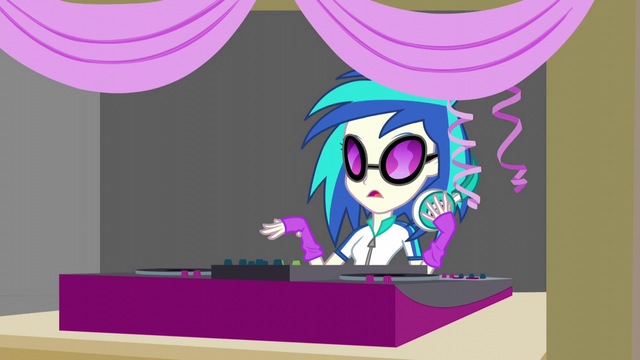 File:DJ Pon-3 stops playing EG3.png