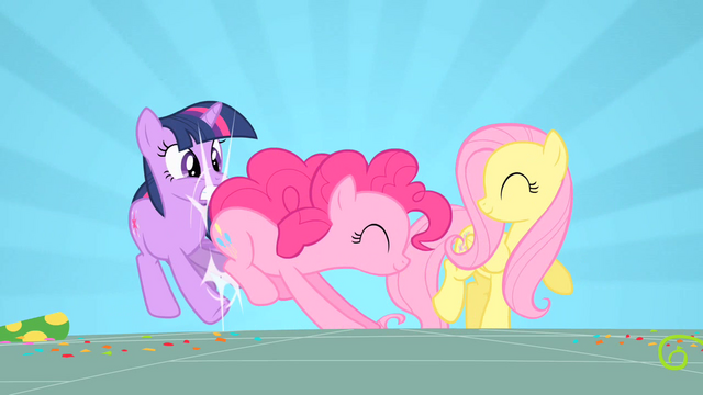 File:Pinkie Pie hitting Twilight S01E25.png