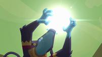 Ahuizotl's hands around the sun S4E04