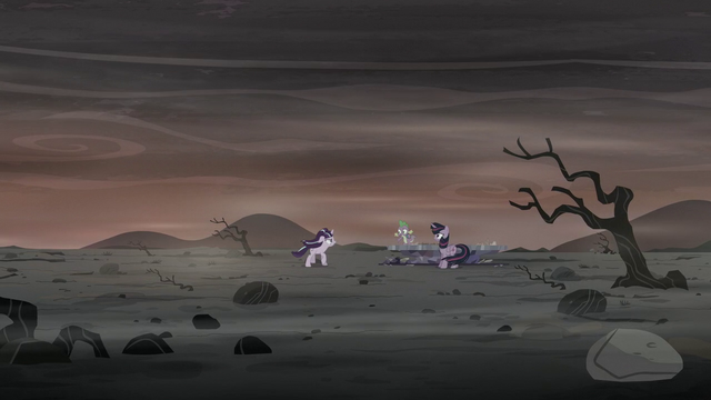 "File:Spike ""Come on, Starlight, look around!"" S5E26.png"