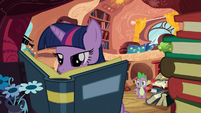"Twilight ""mm-hmm"" S03E09"