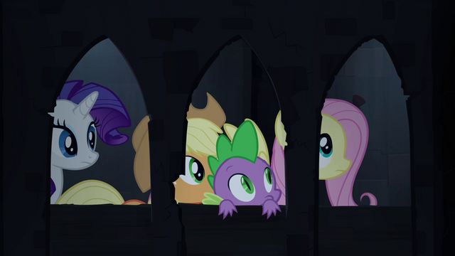 File:Spike and friends in castle corridor S4E03.png