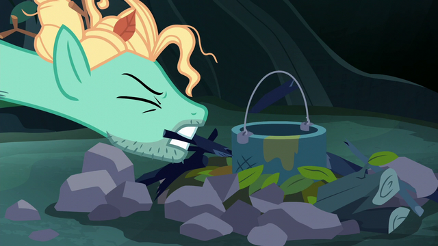 File:Zephyr Breeze's stick snaps in half S6E11.png